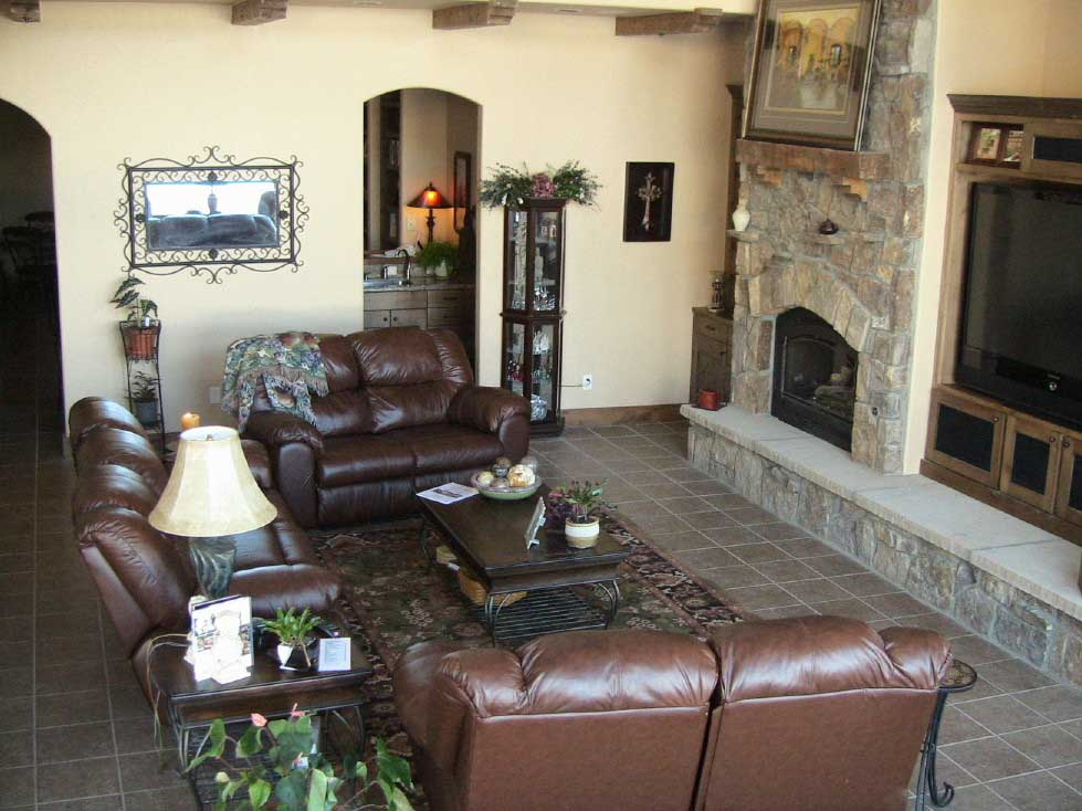 """Alpine Villa Great Room, gas fireplace, 82"""" HD flat-screen TV, DVD, Blu-ray, stereo, 1 couch, 2 loveseats, 2 recliners"""